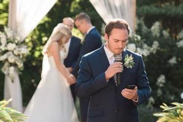 wedding praying